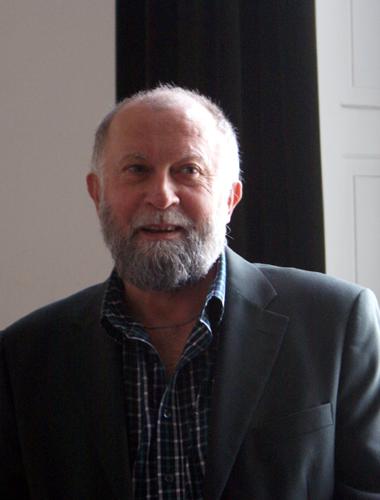 Dr. Farkas László