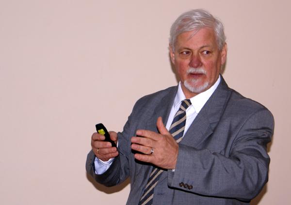 Előadó: Dr. Csermák Károly