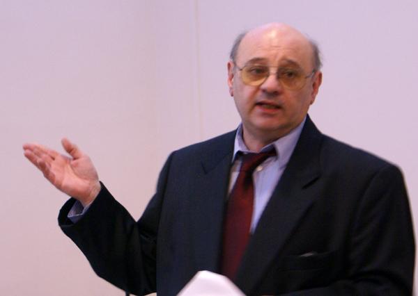 Előadó: Dr. Szidnai László